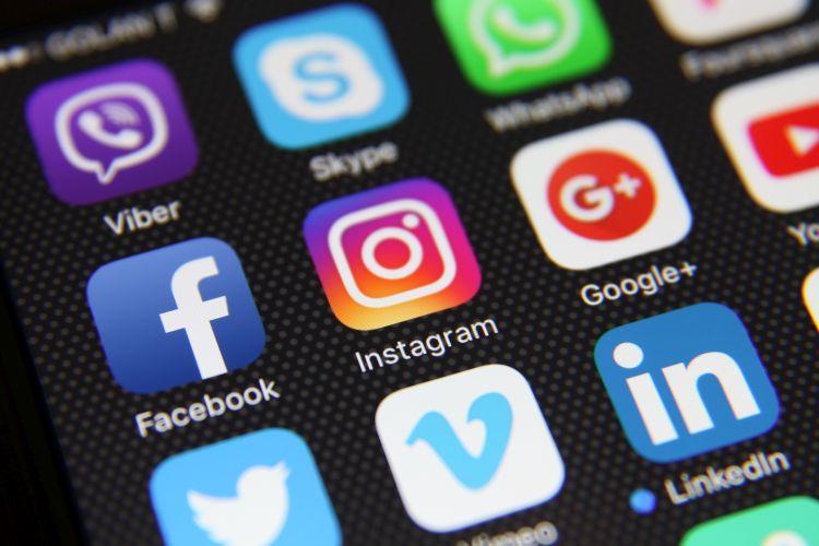 impacto redes sociales semrush