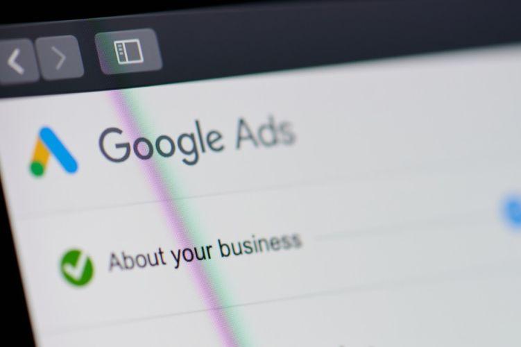 Cómo usar las funciones de SEMRush para una campaña de Google Ads